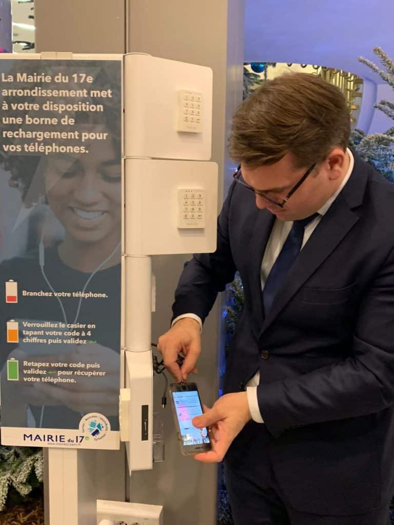 La mairie recharge votre téléphone dans le 17e arrondissement de paris