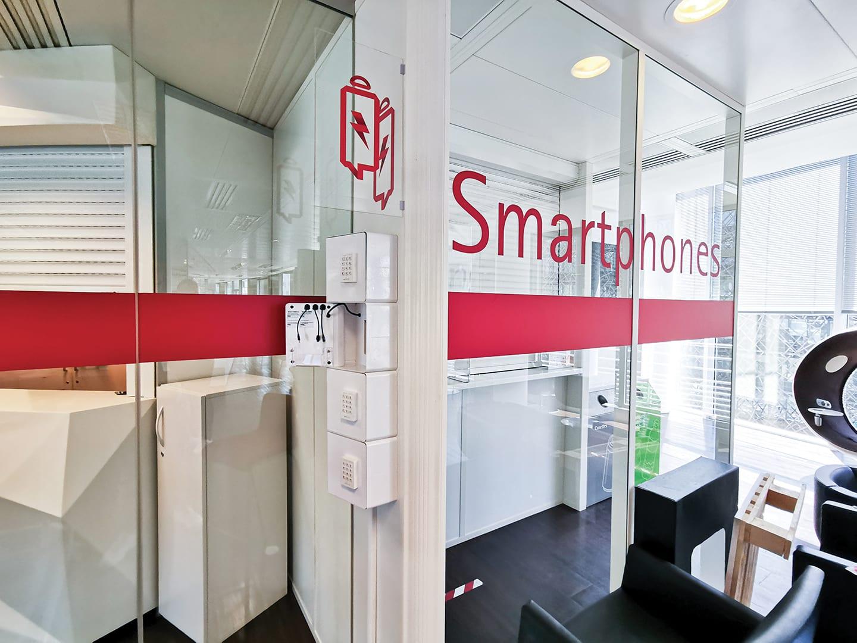 Borne de recharge pour téléphones Welock chez Accenture
