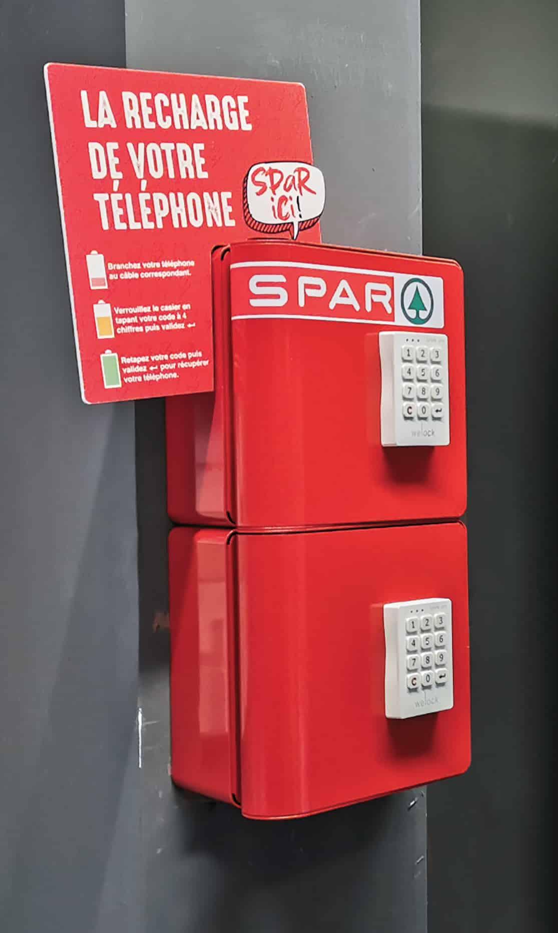 Borne de recharge pour téléphones personnalisée à l'image de Spar